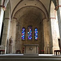 Crossing and apse of St. Lubentius church.