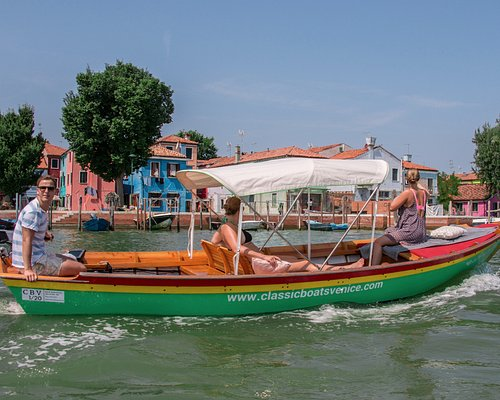 Capture the color of Burano!