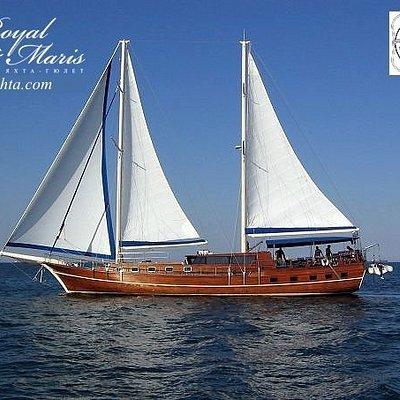 Парусная яхта для отдыха в открытом море в Одессе