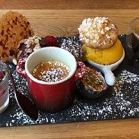 Ein schöner Abend mit grande finale - café très gourmand - im absolut empfehlenswerten La Cuiller a Pot.