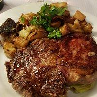 Entrecote (steak) and potatoes