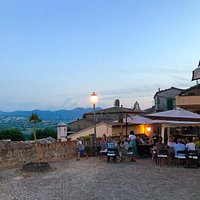 Trattoria 'Mangiafuoco' Toller Platz mit Weitsicht und sehr gutes Essen