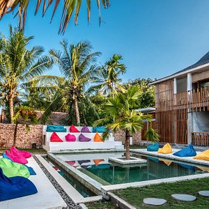 pool area Kaniu Lombok Hostel