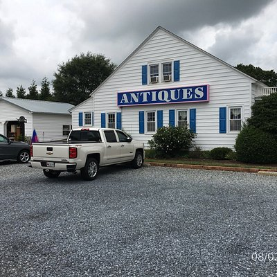 Antiques and Neat Stuff at Frienship Cotahe