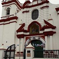 Iglesia Belén, hermoso templo colonial, en su interior se encuentra la Sagrada Familia.