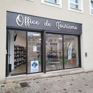 Le bureau de Mazamet de l'Office de Tourisme de Castres Mazamet est situé en plein centre ville, à côté de la Mairie, sur la place du marché.