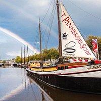 Een 23 jaar oude klipper (één van de grootste ooit in Nederland gebouwd) en doet nu al ruim 30 jaar dienst als Pannenkoekrestaurant.