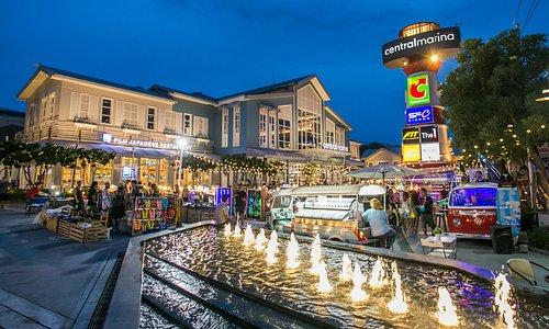 Marina Market at CentralMarina