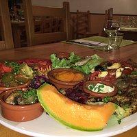 Spécialité MARIE CAFE , assiette végétarienne, possible sans gluten et végétalienne , sur réservation