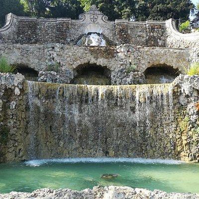 Fontane delle Rampe del Poggi, Via Giuseppe Poggi, Флоренция, июль.