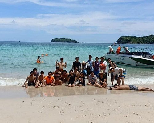 Công ty du lịch Phú Quốc Xanh là đơn vị lữ hành hàng đầu chuyên tổ chức tour du lịch Phú Quốc trọn gói hàng ngày giá rẻ .