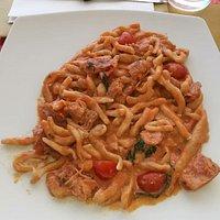 La passione dello chef Michele Zamagni continua a stupire e a rendere sublime il pranzo ... superlativi