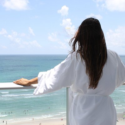 Plan your escape to our oceanfront spa oasis offering breath taking views of Hollywood Beach.