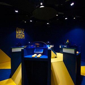 Entrez dans la Quiz Room pour une immersion sur un plateau de jeu mieux qu'à la télé, et avec vos amis !