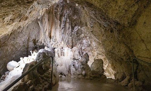Les Grottes Pétrifiantes