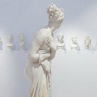 Una delle sale più importanti del Museo Civico di Bassano del Grappa è legata al nome di Antonio Canova ed accoglie le opere del grande scultore, donate al museo dal fratellastro Monsignor Giambattista Sartori Canova e da Pietro Stecchini.