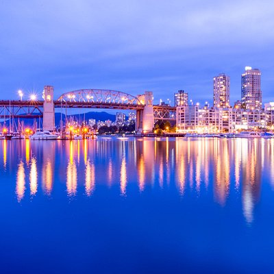Long exposures at Granville Island at twilight. Don't forget your tripod! We cover focus, exposure and white balance.