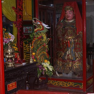 Inside the All Chinese Assembly Hall - Hoi An