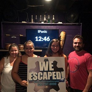 The iPanic staff takes your picture after you escape (or not) from your room. We escaped!