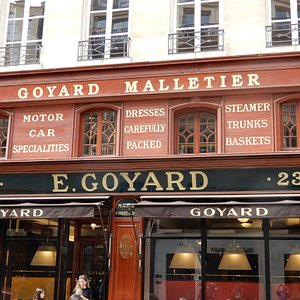 One of the great shop fronts on the Rue Saint Honore