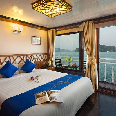 Deluxe Cabin with Private Balcony - double bed
