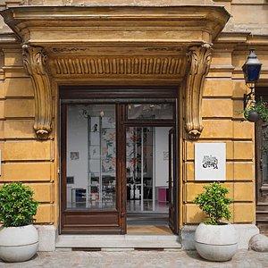 Atelje Galerija entrance