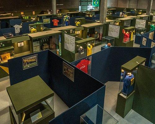 Vista panorâmica parcial da exposição de longa duração do Museu da História do Futebol. São mais de 3000 peças em exposição, com ítens históricos de todas as edições das Copas do Mundo, desde 1930 até 2018.