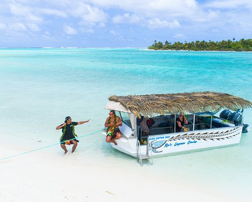 The ONLY Glass Bottom boat in Aitutaki!