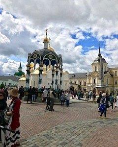 可愛い宮殿 たくさんの 素晴らしい壁画 神々しい 鐘の音 どれもステキな経験です。