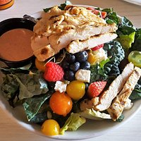 Kale & Berry salad with grilled chicken