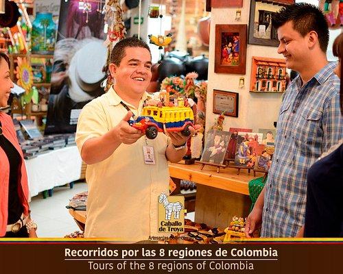 Nuestra atractivo artesanal está dividido en las 8 regiones de Colombia. Visitamos y descubre la magia de estas regiones.