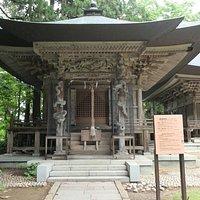 左隣りの厳島神社も同じような雰囲気が良いですね。すごくそっくりです。