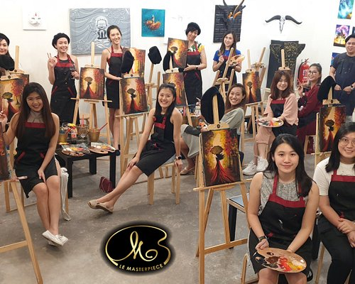 """""""Get creative your next date night and come party with us.🤗 You'll paint🖌️, sip🍷, laugh😆 and spend some quality time together creating memories and more! 💖Call 0195165804 or 0169120092 for BookingFollow us at https://web.facebook.com/lemasterpiece.bukitjalil/"""