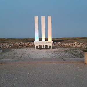 A visité en début de soirée avec l'éclairage le monument est magnifique, facile d'accès à pied