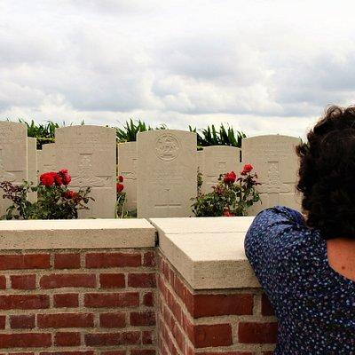 un minuto de ver y pasear por el cementerio