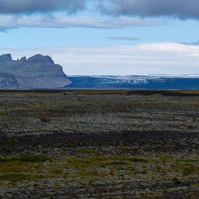 Blick auf den Vatnajökull Gletscher von der Ringstraße 1 auf dem Weg zur Gletscherlagune Jökulsarlon