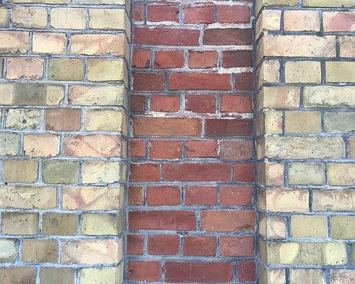 Thule Koda, Exterior wall
