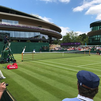 Para los amantes del tenis, una experiencia maravillosa, poder ver a grandes tenistas, desde ubicaciones inmejorables, sin pagar fortunas por ello.