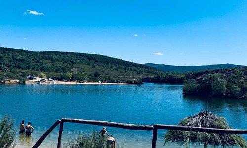 Playa del Cional, en el embalse de Valparaiso. Está situada cerca de Villardeciervos. Un lugar paradisíaco. Que no se diga que en Zamora no hay playas.