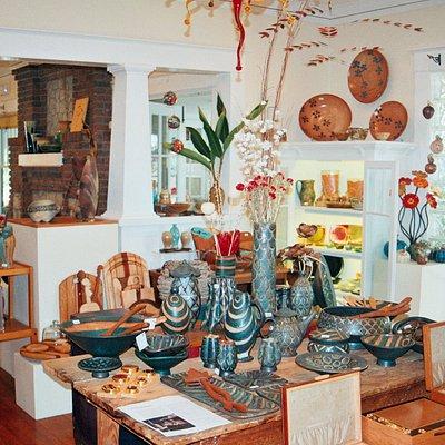 Ceramics, blown glass, jewelry, wood, fiber, metal, ...