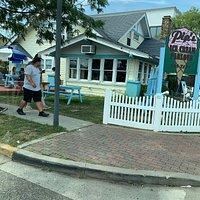 Pip's Ice Cream Parlour