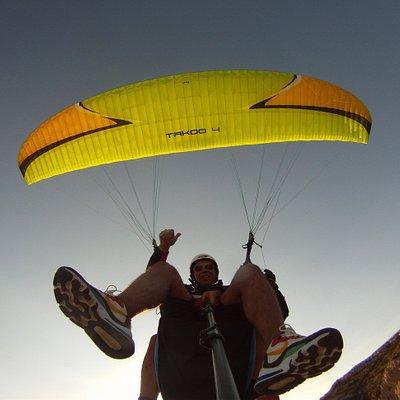 Volando en parapente lleida. Catalunya parapent