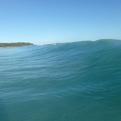 Une vague à l'île des pins ? c'est la baie des rouleaux !