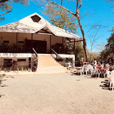 Tamarindo Church is now meeting in our new Church building right next door from the old location.  Come join us on your next visit to Tamarindo!