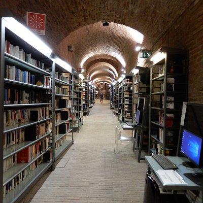 Main vaulted corridor