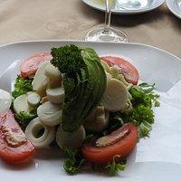 Avocado & Hearts of Palm Salad