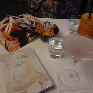 serving of the cocktail Hentai