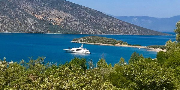 Skorponeri Bay in GREECE is one of the most beautiful places one hour's drive from Athens International airport, 25 min drive from Chalkida, Capital of Evia Island. Nice private beaches, crystal clear water and a perfect place to sail with a yacht to.