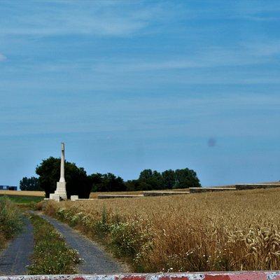vista del cementerio desde la pista principal