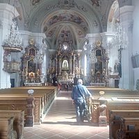 Innenraum der Pfarrkirche in Hopfgarten